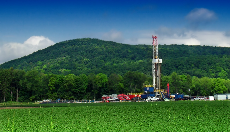 A Marcellus shale gas-drilling site along PA Route 87, Lycoming County, Pennsylvania (Source: Nicholas A. Tonelli)