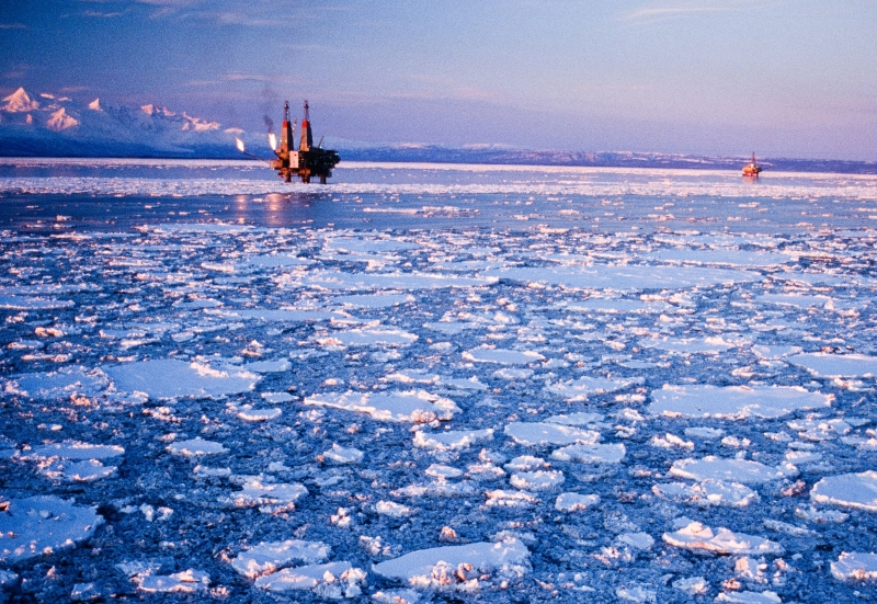 Oil platforms off of the coast of Alaska (Photo: BSEE).