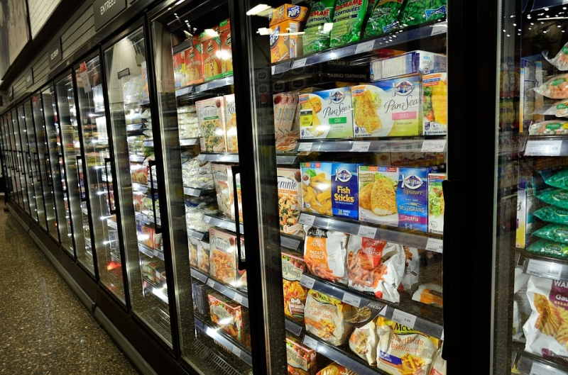 HFCs, often used for commercial refrigeration, are powerful greenhouse gases (Photo: Wikimedia Commons).
