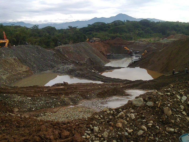 An illegal goldmine in Quilichao, Colombia (Wikimedia Commons)