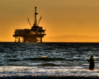 An oil platform off the coast of California (arbyreed/Flickr)