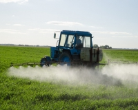 Farm workers are at high risk of harmful pesticide exposure (Photo: Aqua Mech.)